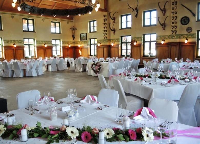 Eine echt bayerische Location: Das Gasthaus Inselkammer bei München