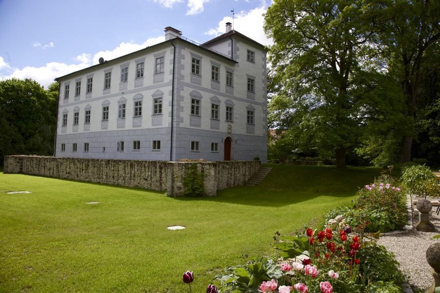 Location Tipp Schloss Hofstetten bei Ingolstadt in Oberbayern.