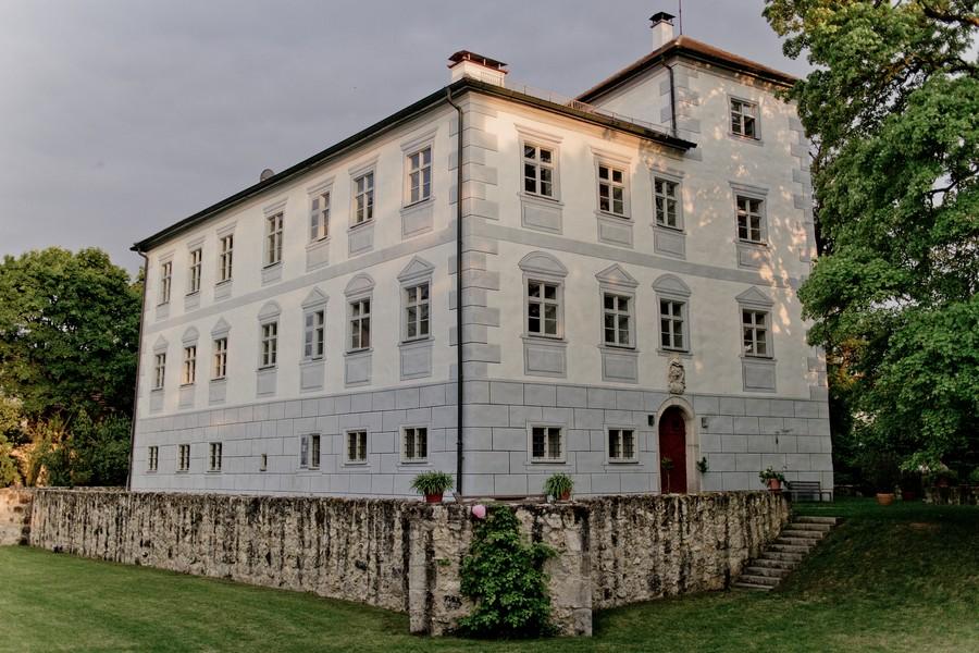 Auf der Suche nach der Location: Schloss Hofstetten