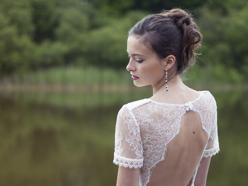 Das Brautkleid Patou von Lambert Creations passt herrlich zu Boho und Vintage Hochzeiten.