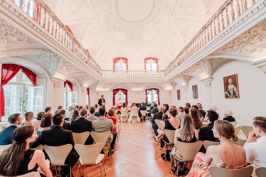 Überlingen: Ein barocker Prunksaal als Traukulisse