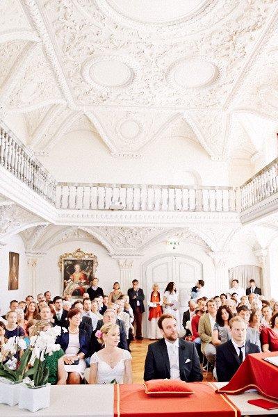 Im Städtischen Museum von Überlingen. Der Museumssaal dient dem Standesamt auch als Trausaal.