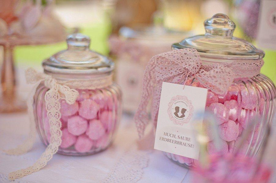 Eine Hochzeit in rosa und weiß auf Gut Sonnenhausen bei München. Foto: Petra Hennemann.