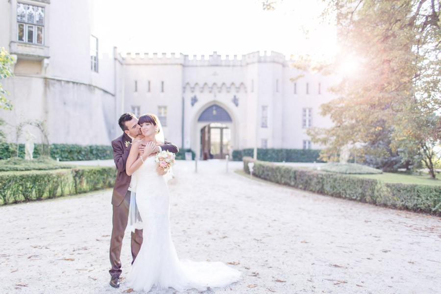 Eine Traumhochzeit in den Farben pastell, rosa und weiß auf Schloss Lichtengraben und im Gasthaus Pollheimerwirt.