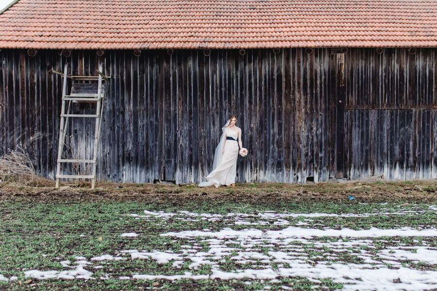 Annett Oschmann von nartürlich fotografie hat diesen styled shoot im Boho und Vintage Stil konzipiert. Mit dabei: Accessoires von La Chia und ein Kleid von kleiderkreisel.de