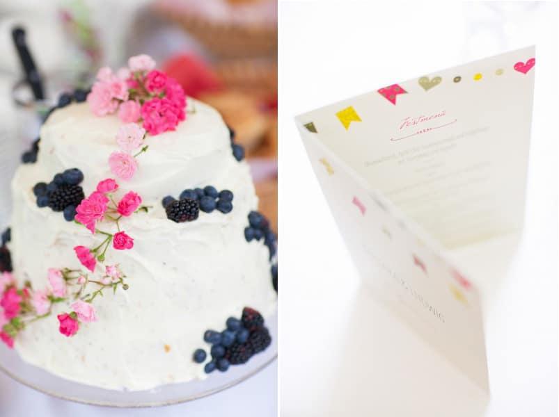 Eine Hochzeitstorte mit roten und blauen Beeren und das passende Menu. Fotos Stefanie Danner