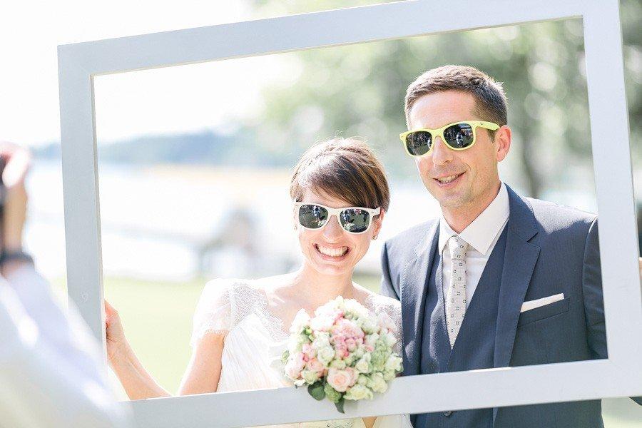 brautpaar-fotos-mal-anders-rahmen-sonnenbrille