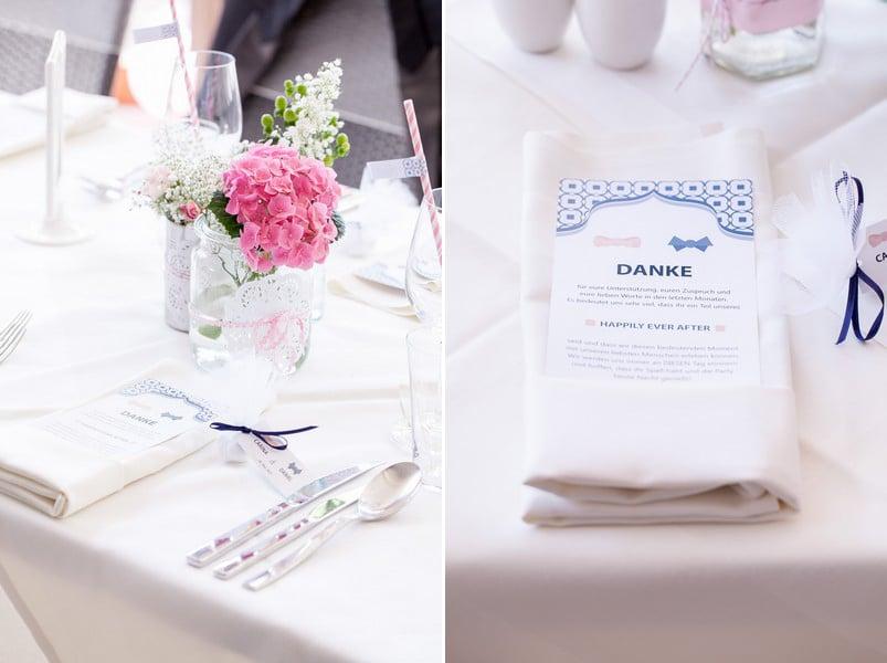 hochzeit-tisch-deko-papeterie-menue-logo-blau-rosa