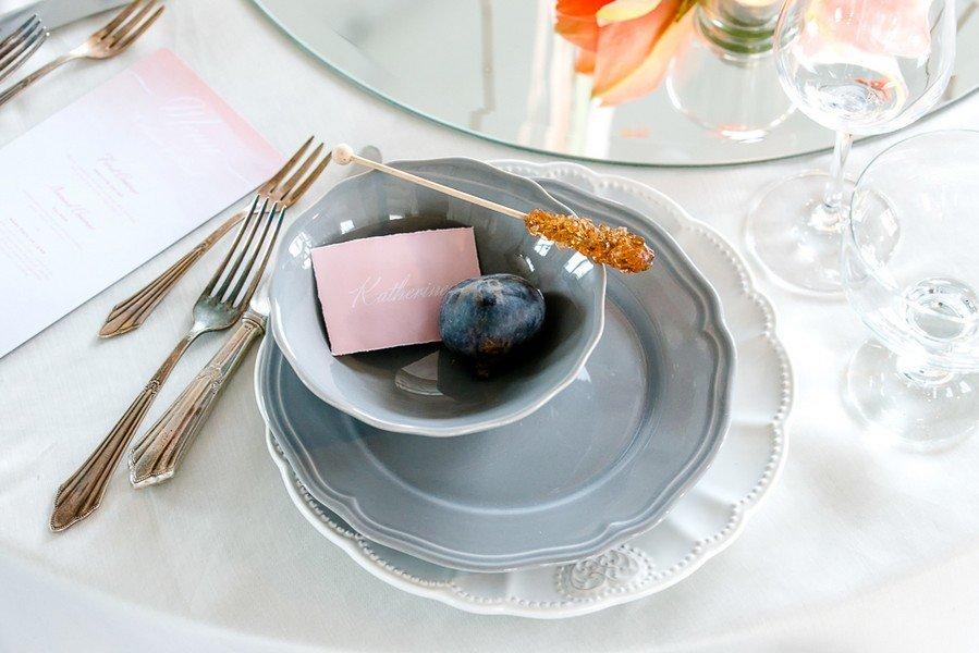 tischdeko-hochzeit-grau-rosa-gold