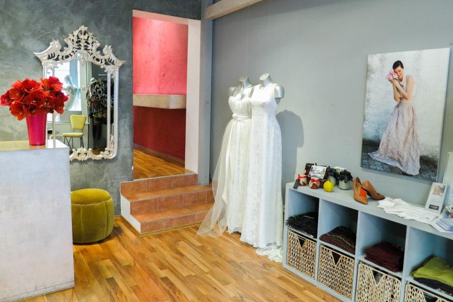 Brautkleider individuell: Ein Besuch bei IOSOY in München