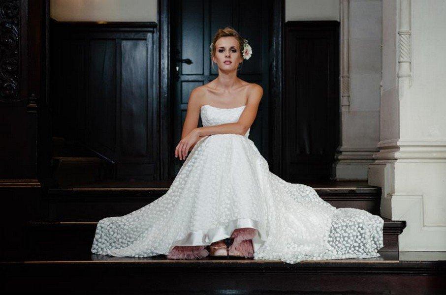Brautkleider von küssdiebraut 2016: Die pure Vielfalt von 70er Jahre über Vintage bis urban
