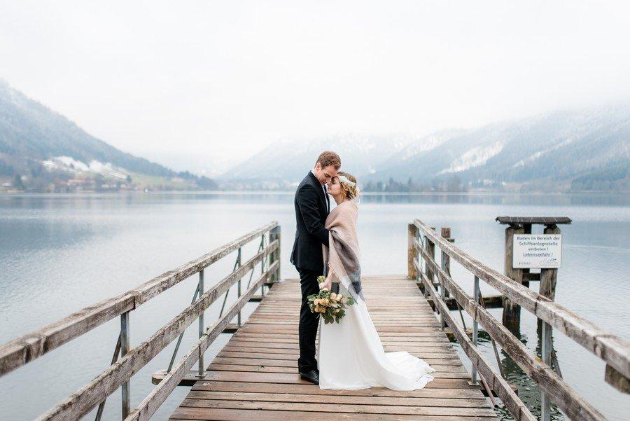 Ein Paar, ein See, zwei Fotografinnen – winterlicher styled shoot