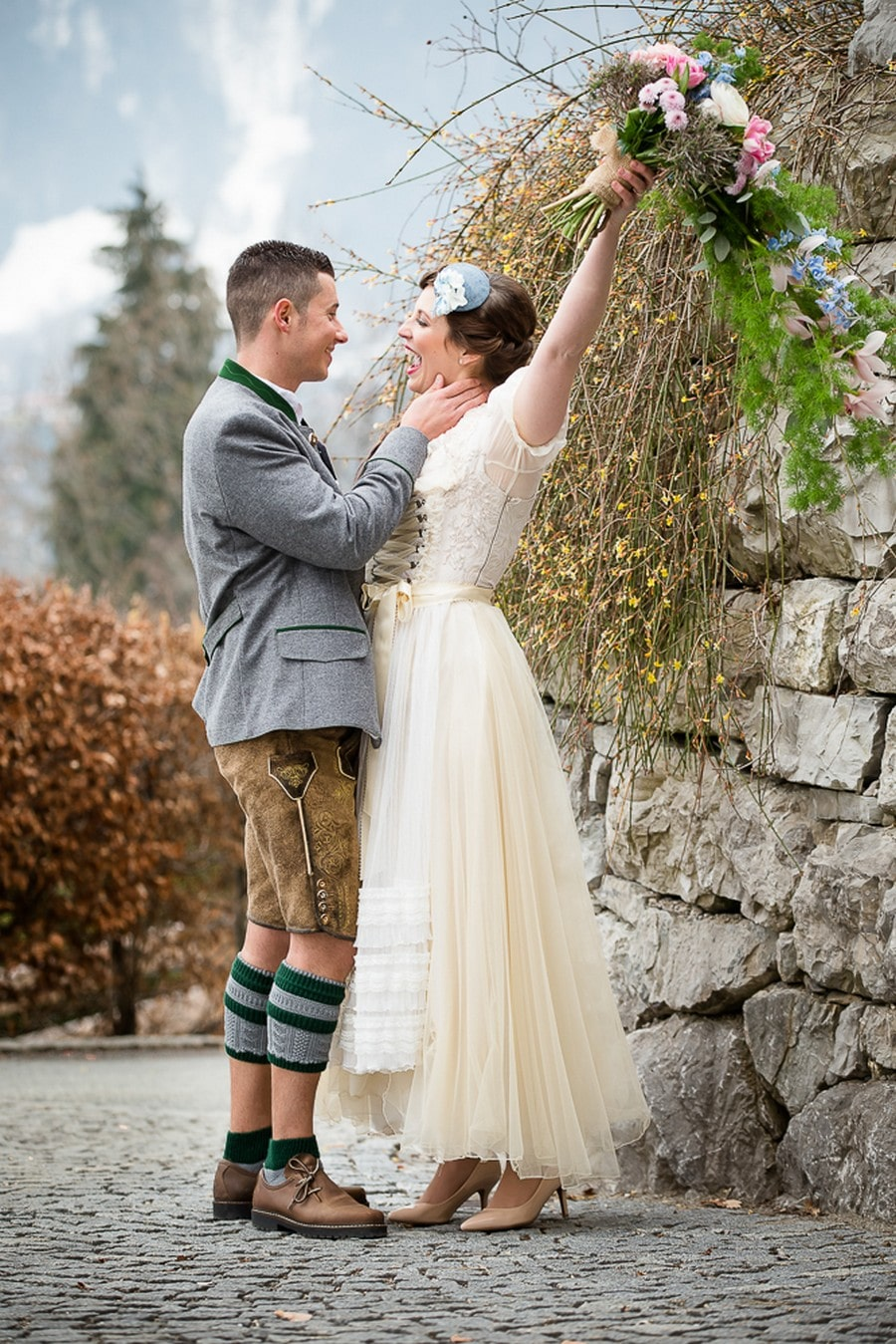 Großer Boho Brautstrauß in hängender Form