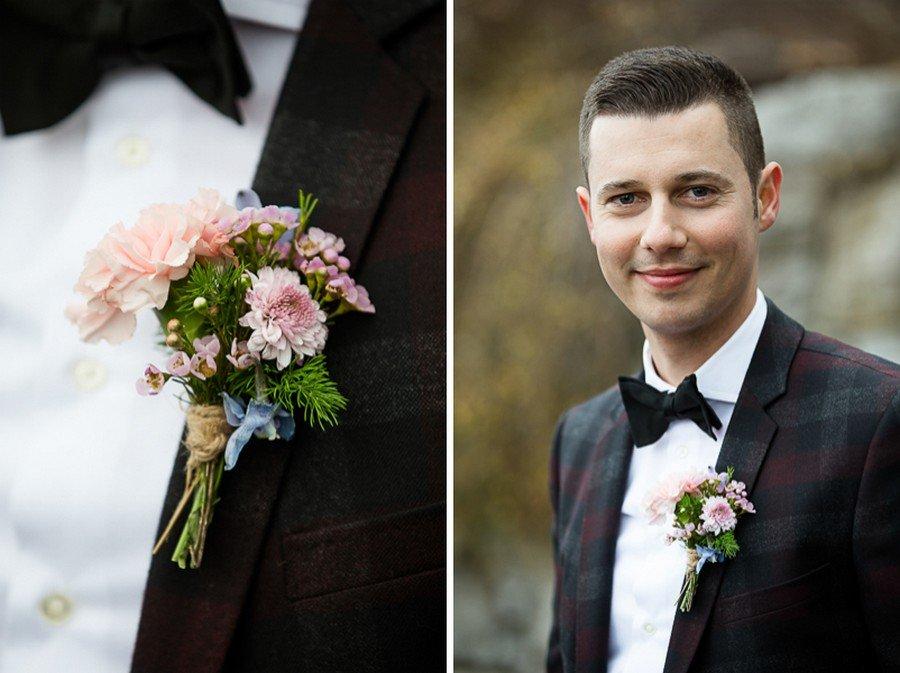 Ansteckstrauß für den Bräutigam in Rose Quartz und Serenity