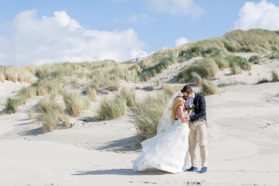 Ein Fotoshooting nach der Hochzeit (After Wedding Shooting) am Strand auf der Nordseeinsel Juist