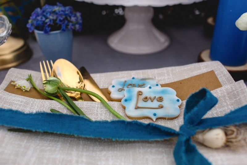 Kekse als Gastgeschenk für die Hochzeit in Blau