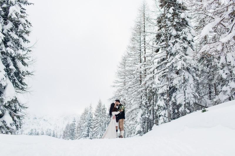 Inspirationen für eine Winterhochzeit in den österreichischen Bergen