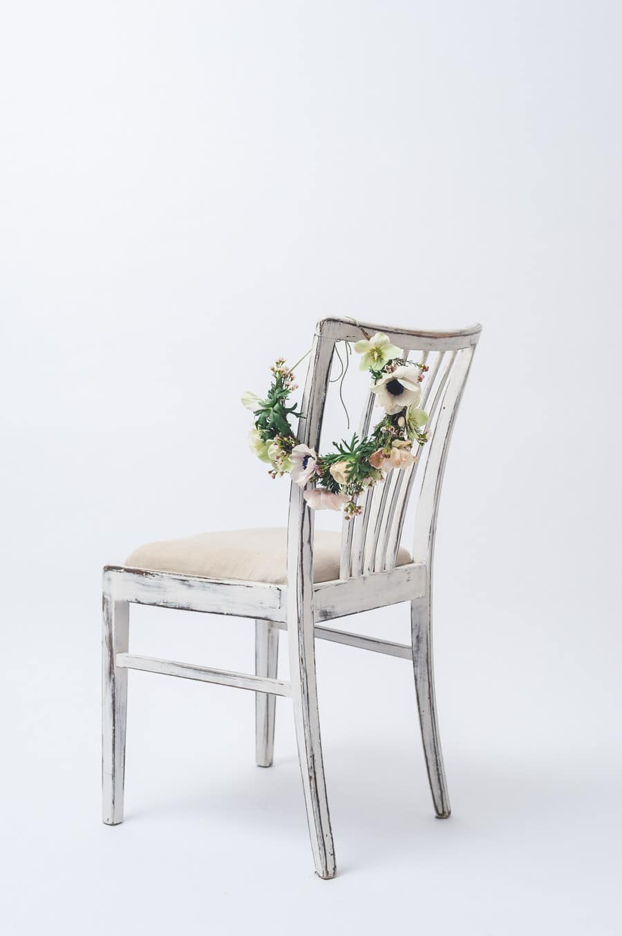 Blumenkranz für die Brautfrisur im Woodstockstil für die Boho-Braut