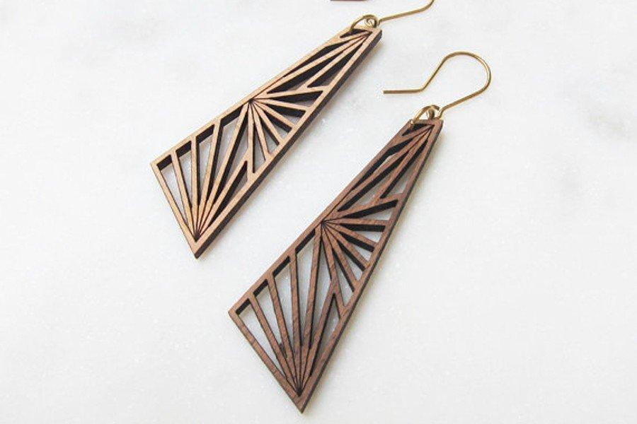 Brautschmuck aus Holz: Ohrhänger aus Lasercut Holz