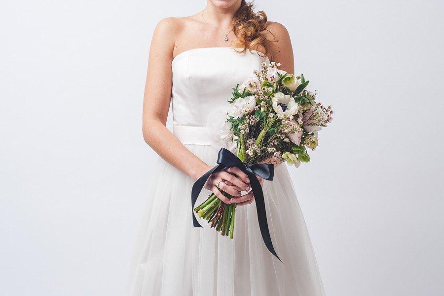 Brautstrauß mit Anemonen