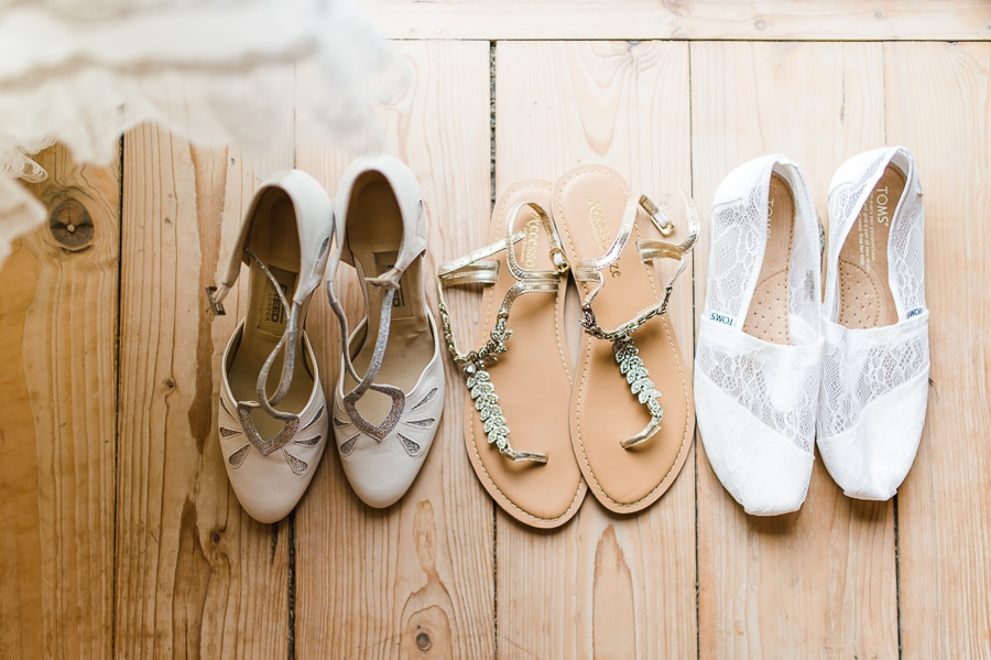 Drei Brautschuhe als Alternativen über den Tag, von hoch bis flach, von Sandale bis Pump