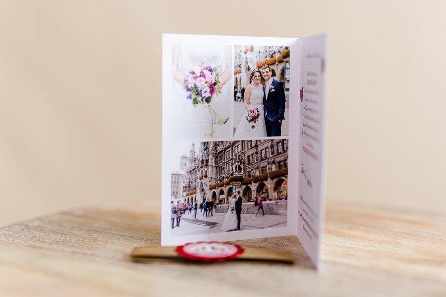 Dankeskarte für eine Hochzeit im bayerischen Stil mit Hirsch-Logo und Holzleiste