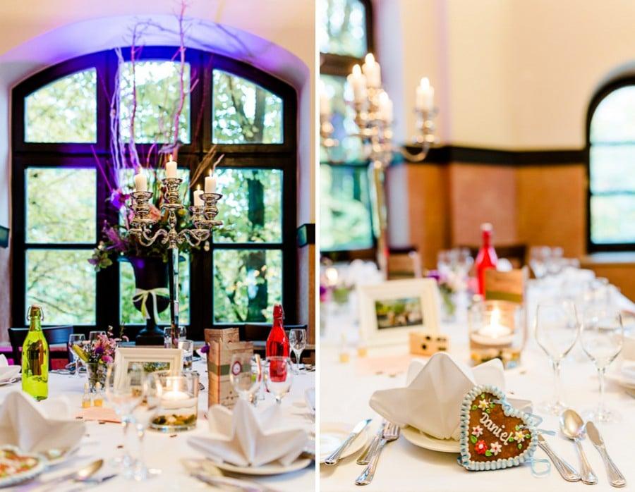 Idee für Namenskärtchen bei einer Hochzeit mit Lebkuchenherzen