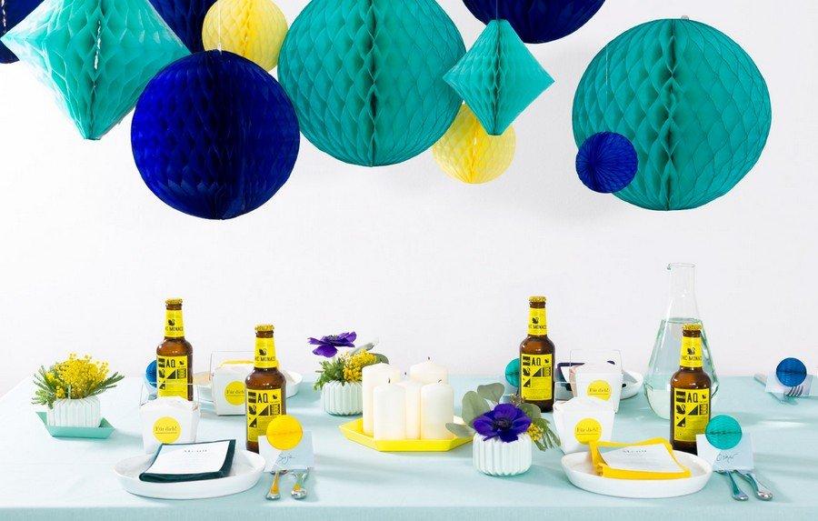 hochzeit-deko-tisch-set-studio-colada-muenchen-sommer-blau-tuerkis-gelb