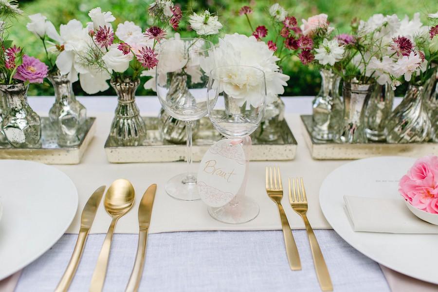 Zarte tischdeko und ein fruchtiger sweet table im vintage stil Rosa tischdeko hochzeit