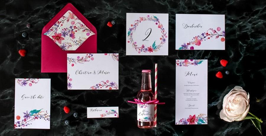 Papeterieset für eure Hochzeit im Boho Stil mit Blumenkranz und Watercolor Design.