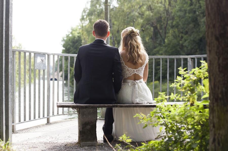 Hochzeit unterm Baum im Garten an der Isar in München