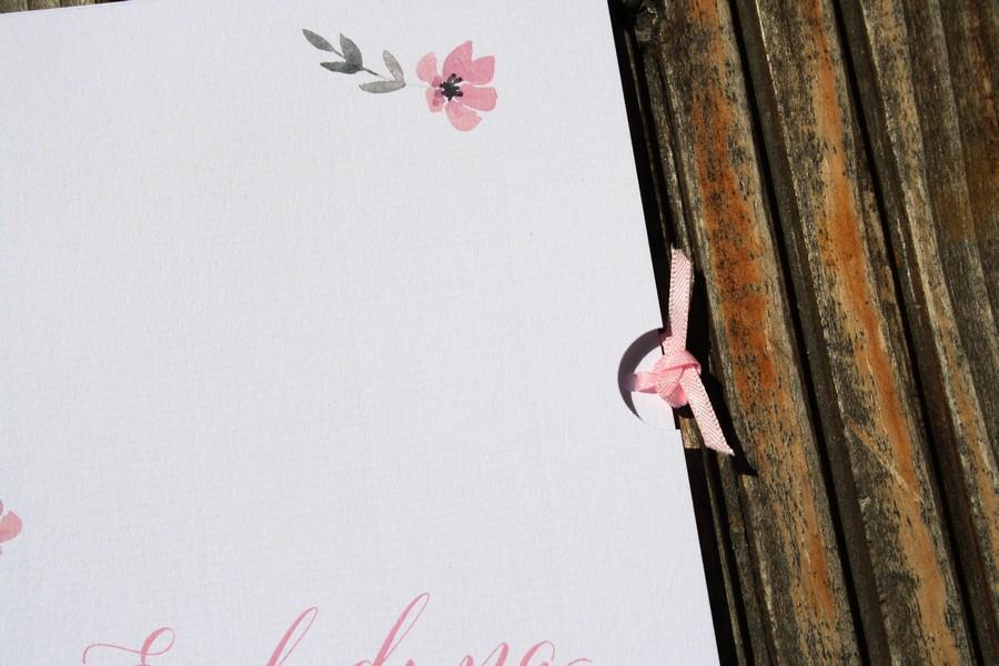 Individuelle Hochzeitspapeterie im zarten romantischen Stil mit Blümchen von Herzdruck aus Österreich