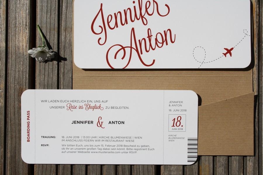 Individuelle Hochzeitseinladung im Stil einer Theaterkarte von Herzdruck aus Österreich