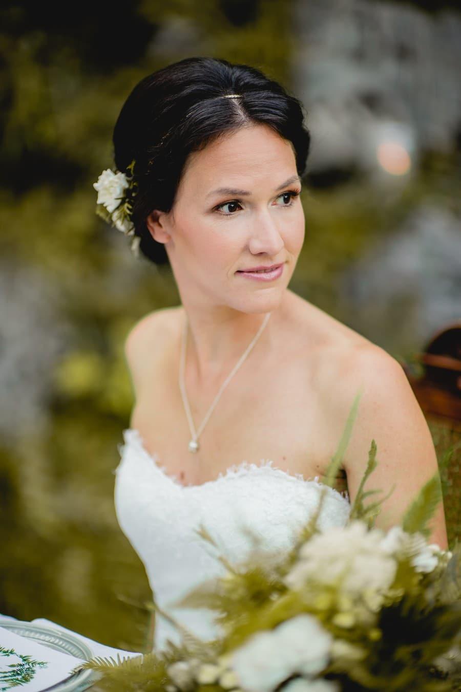 Inspiration für ein natürliches Brautstyling