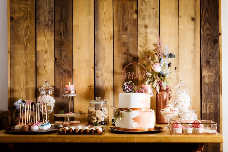 sweet-table-hochzeit-kupfer-macarons-cake-pops