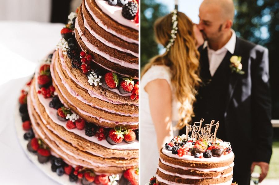 Naked-Cake-Hochzeitstorte mit Beeren