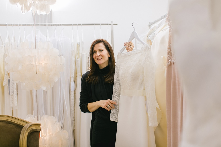 Brautkleid im Vintage-Stil mit langen Ärmeln und viel Spitze