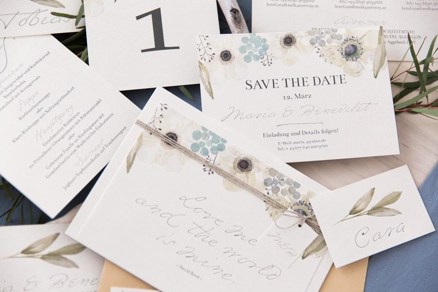 Hochzeits-Papeterie im Wasserfarben-Design mit zarten Pastell-Blüten