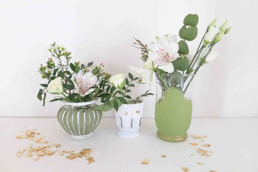 Trendfarbe Grün: Einfaches DIY für Vasen und Teelichthalter