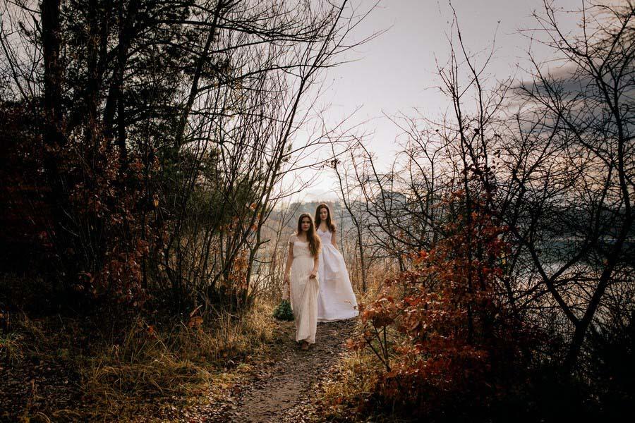 Mystische Fotos aus der Brautkleid-Kollektion 2017 von Elfenkleid