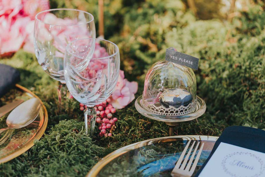 inspiration-hochzeit-vintage-macarons-gold-rosa-pink-2
