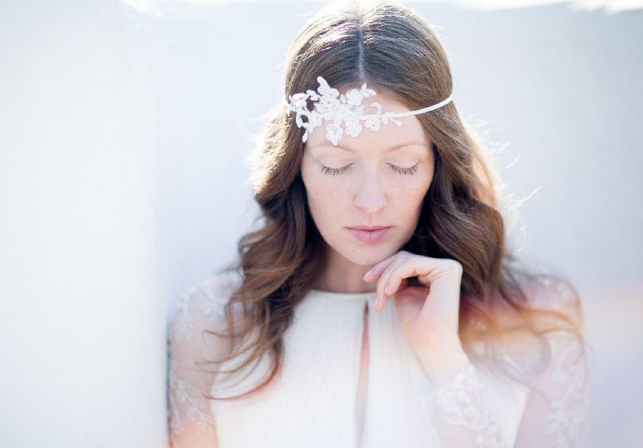 Braut-Haarschmuck aus Spitze von Schönmich