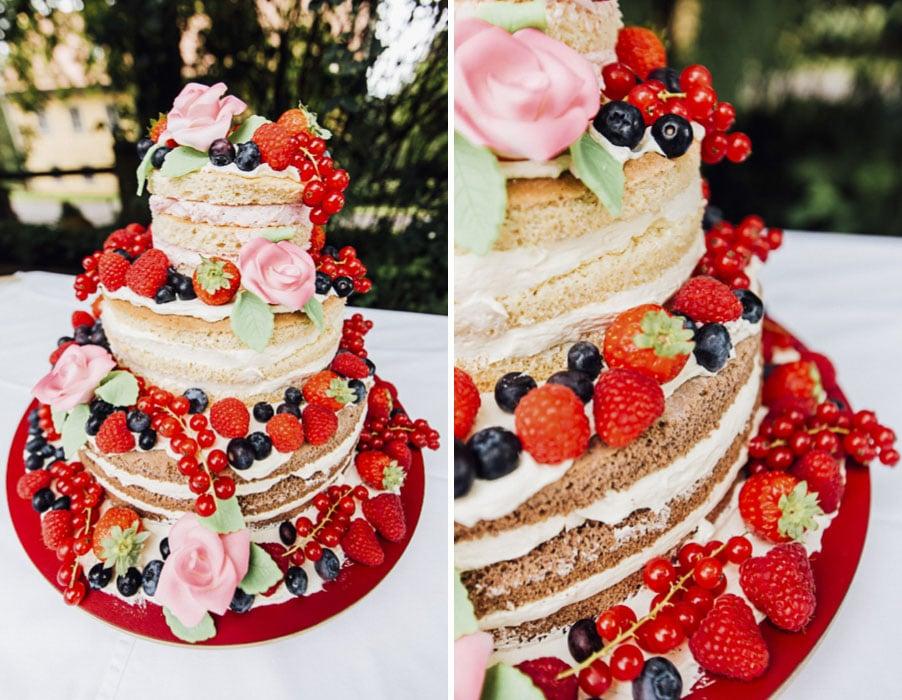 naked-cake-wedding-erdbeeren-blaubeeren