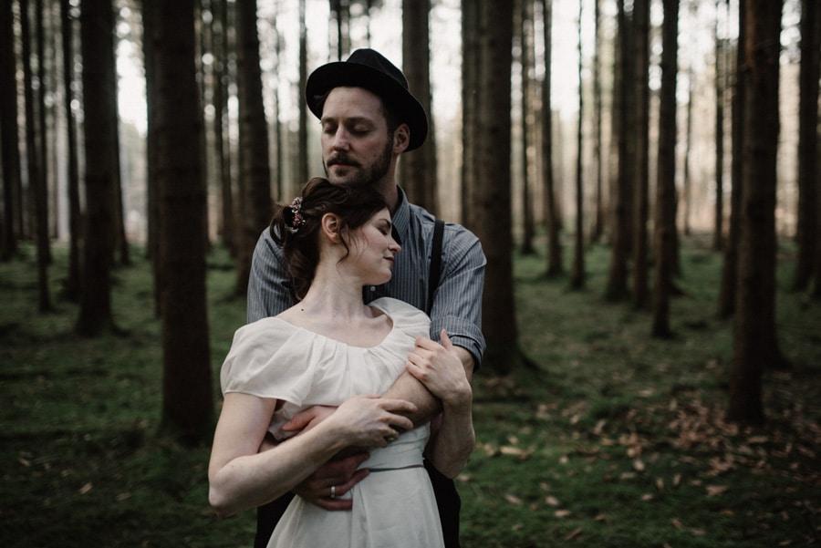 Elopement im Wald bei Starnberg – Fotokunst von Josée Lamarre