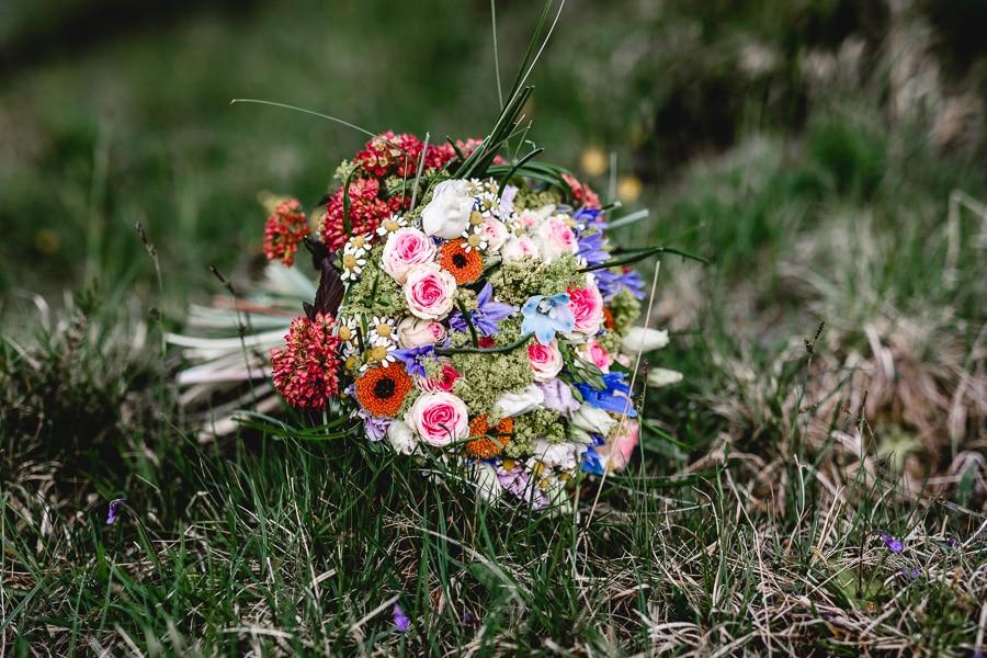 Bunter Brautstrauß für den Sommer