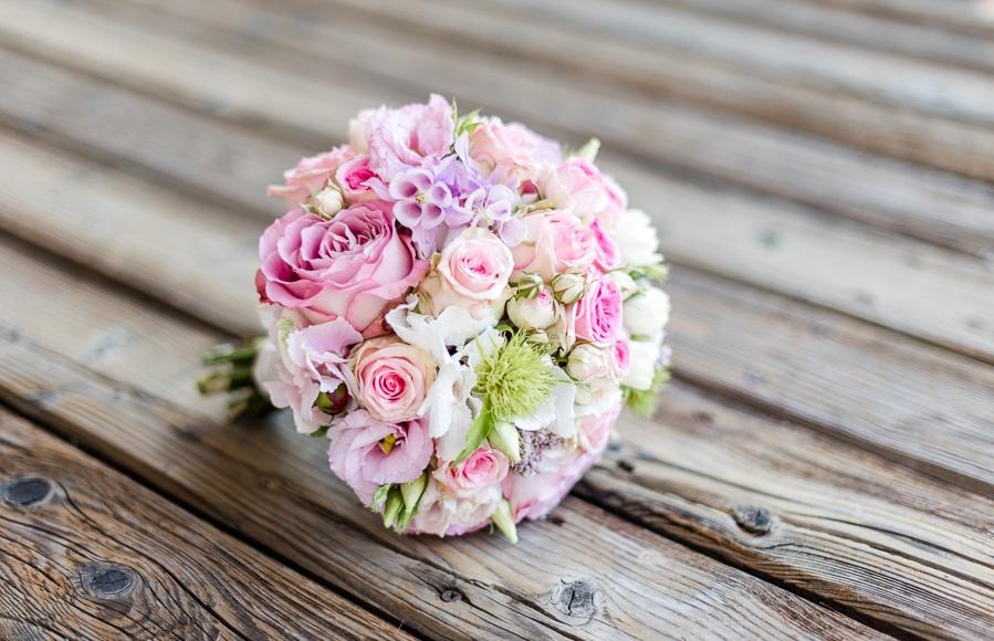 echte-hochzeit-diy-rosen-pink-veronika-anna-fotografie-21