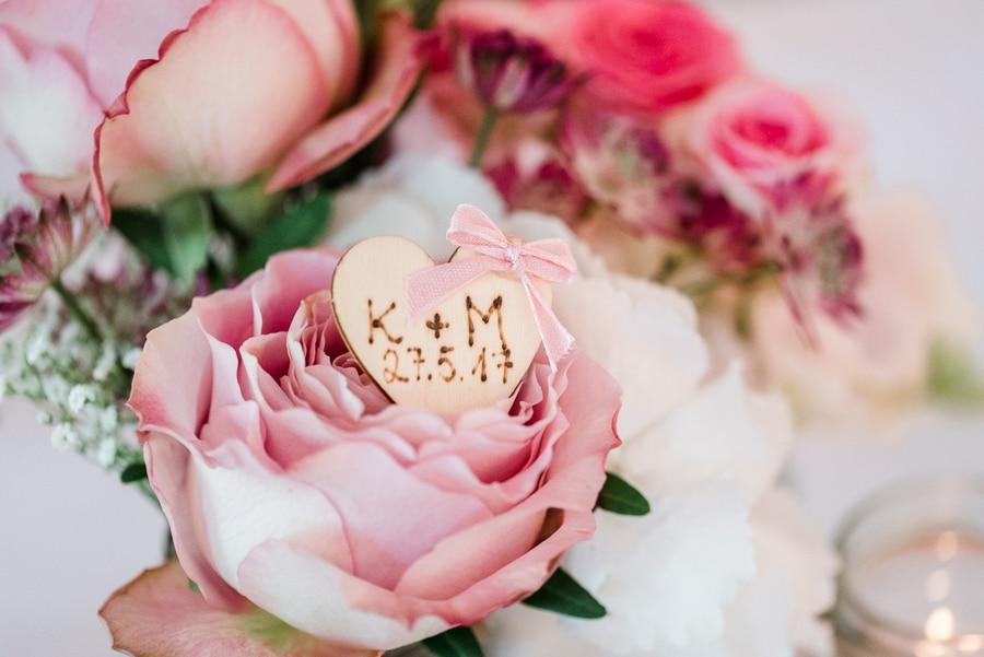echte-hochzeit-diy-rosen-pink-veronika-anna-fotografie-39