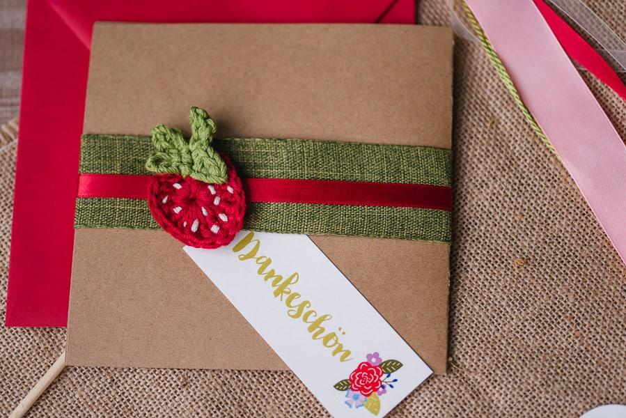 hochzeit-papeterie-vintage-erdbeeren-dankeskarte