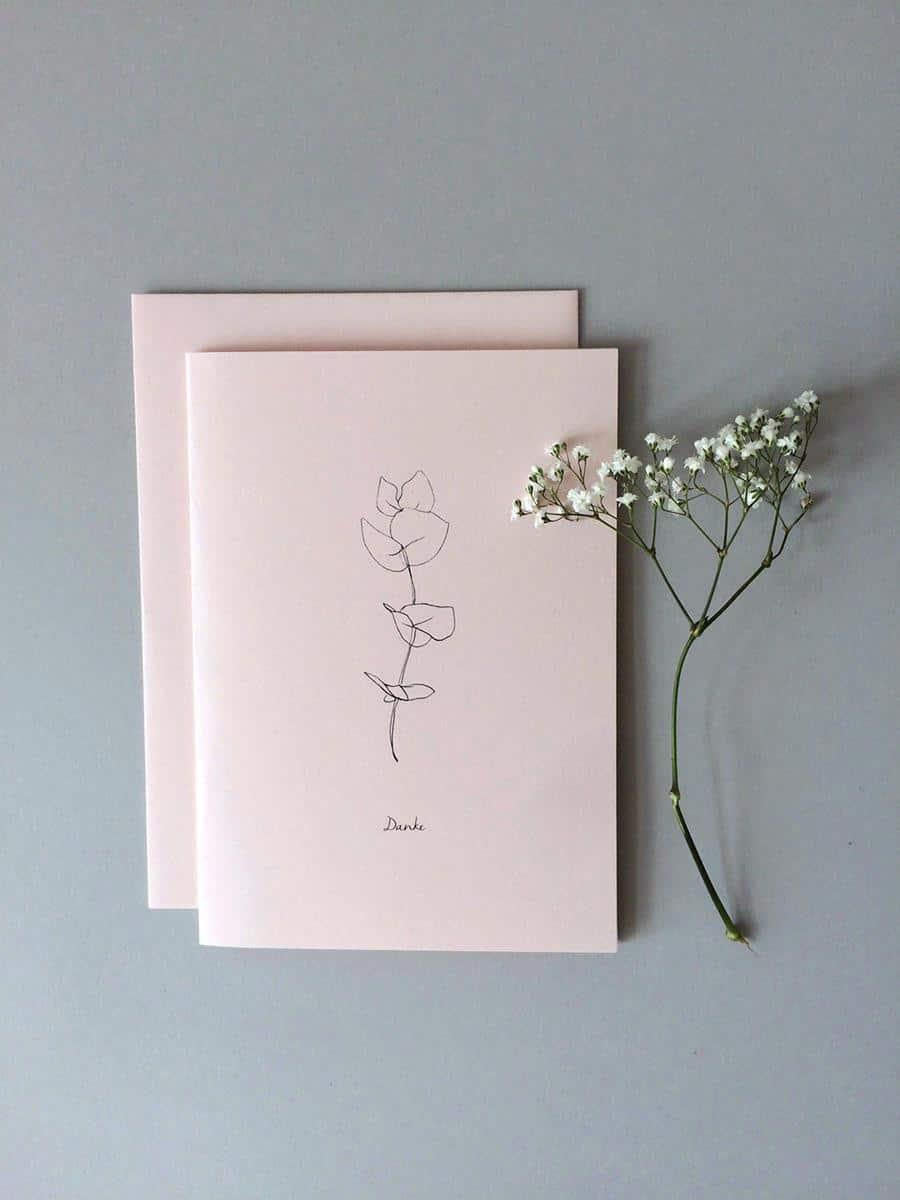 Schlichte Hochzeitseinladung mit stilisiertem Schleierkraut