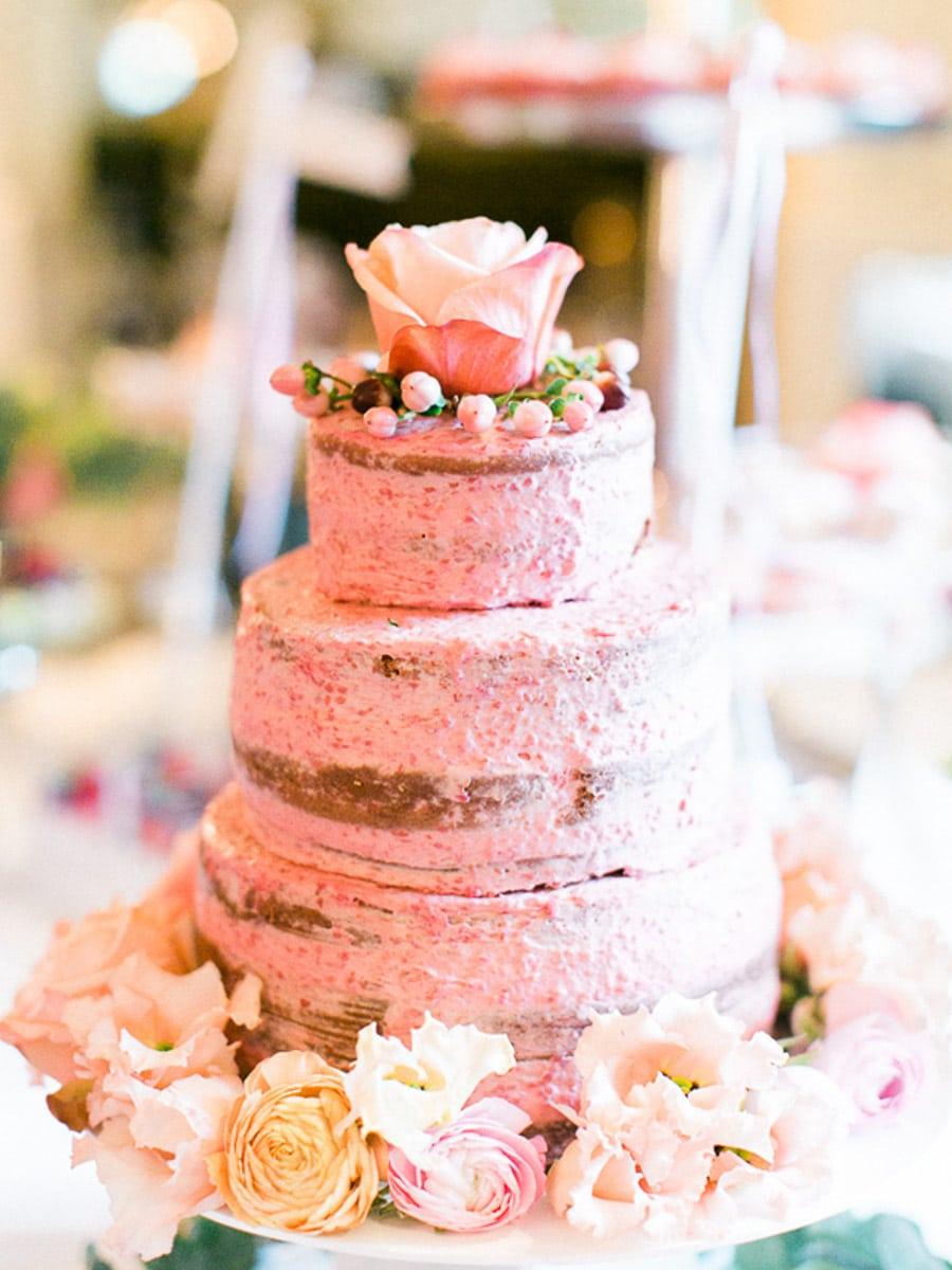 sweets-torte-erdbeer-hochzeit-modern-hochzeitsfotograf-digital--oder-analog-vergleich-theresa-pewal-3